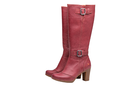 Style Rio 299 Trade £67 Retail £165. Available in 6 colours. Sizes 36 to 42. A beautiful boot that sits on a 15mm platform. This is surprisingly light weight flexible.